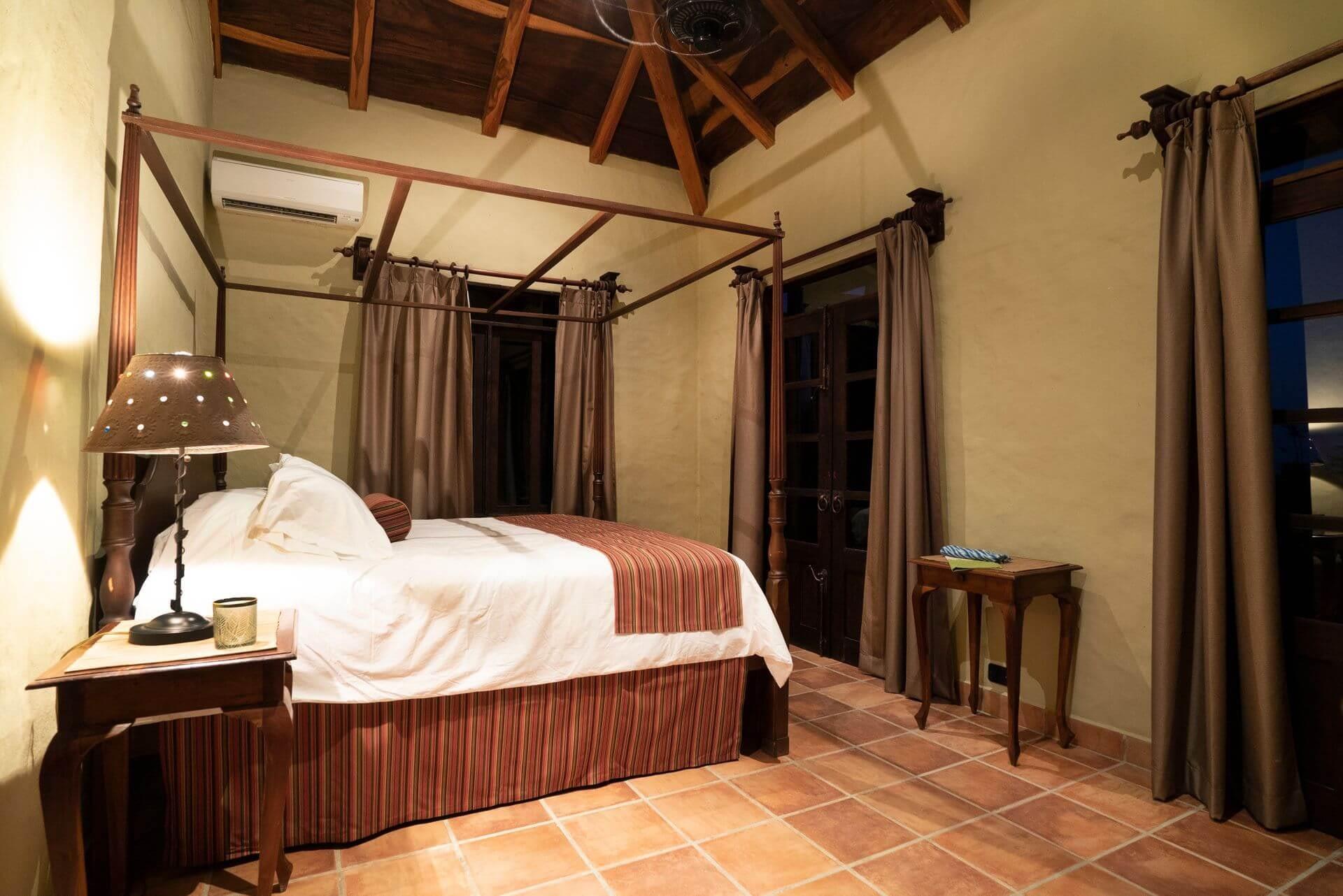 Hacienda Barrigona Casa Guanacaste Bedroom