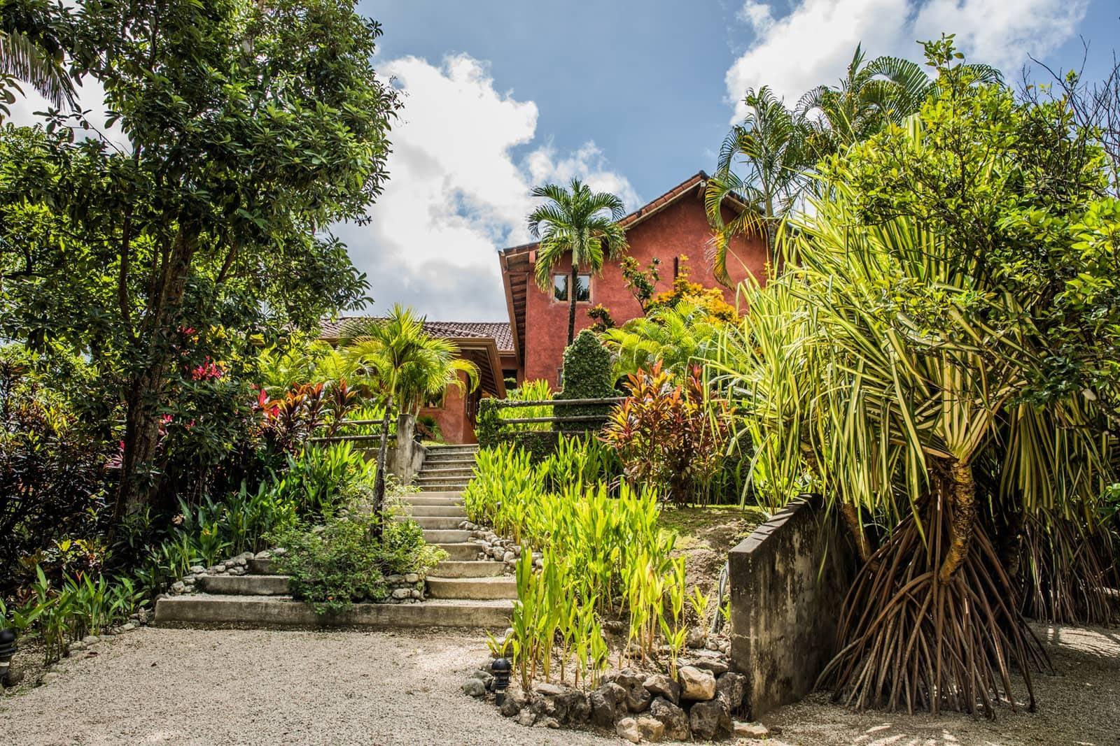 Casa Barrigona Outside