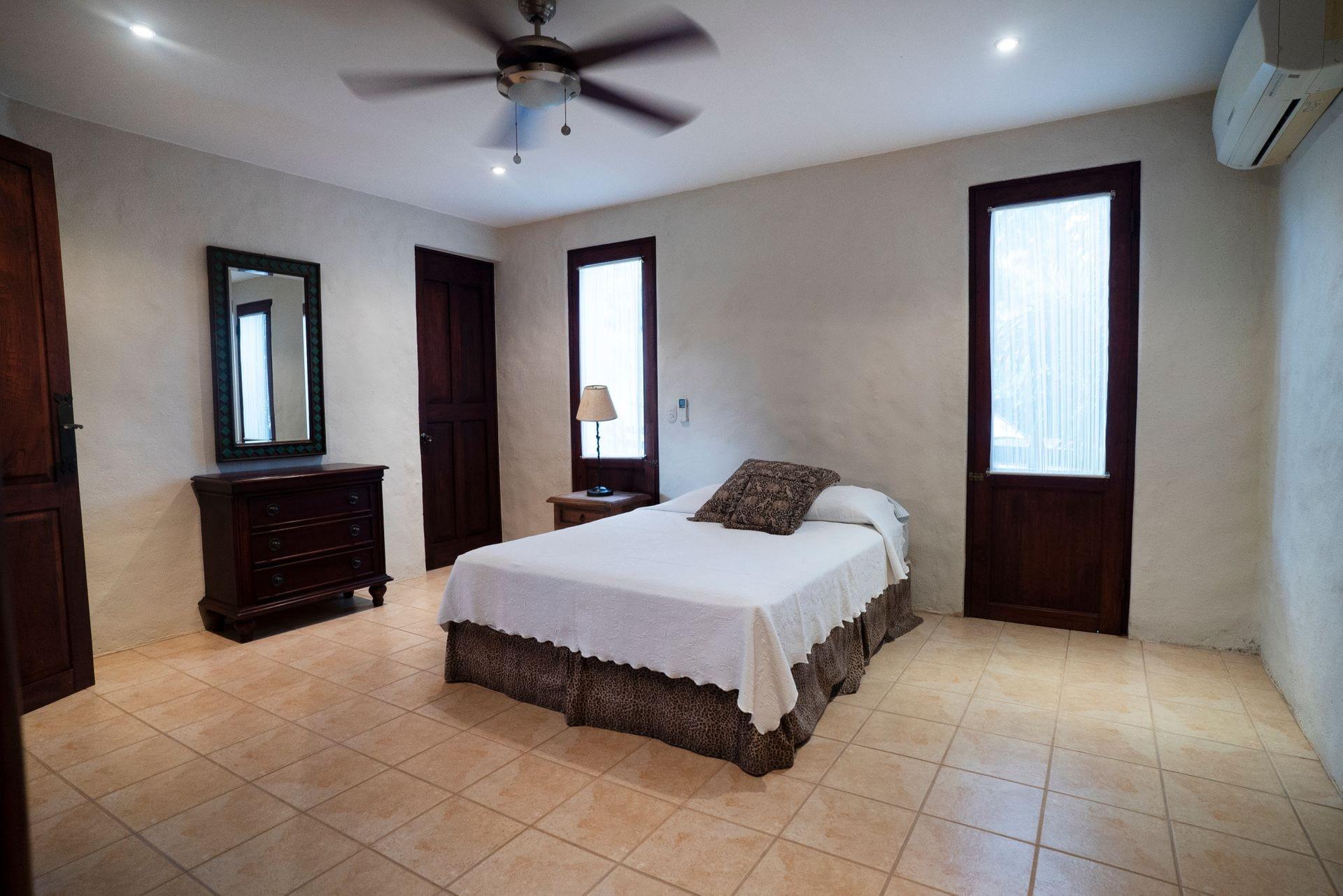 Barrigona Villa Dorada Costa Rica