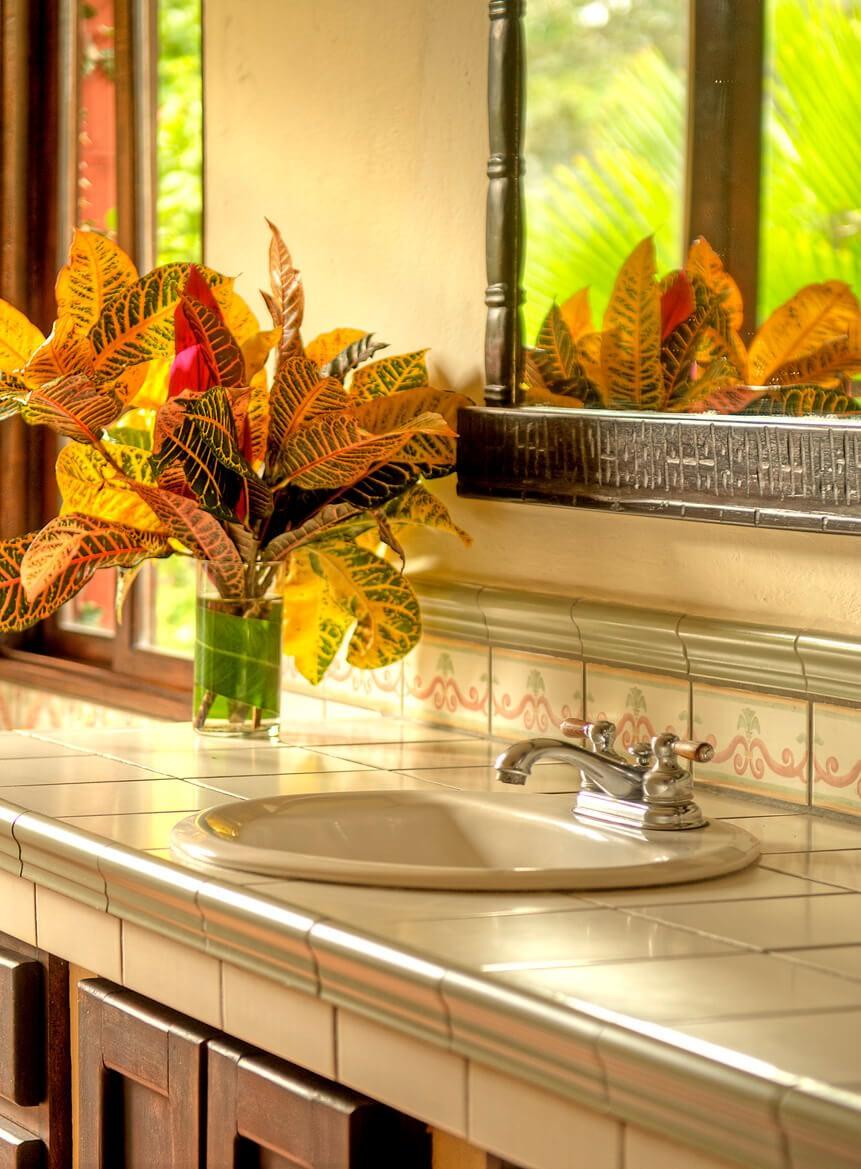 Hacienda Barrigona Bathroom With Personal Touch